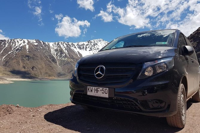 Tour to the El Yeso reservoir and relaxation in the Termas del Valle de Colina