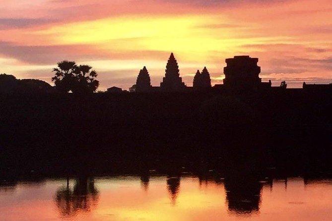 One Day Tour + Angkor Wat Sunrise