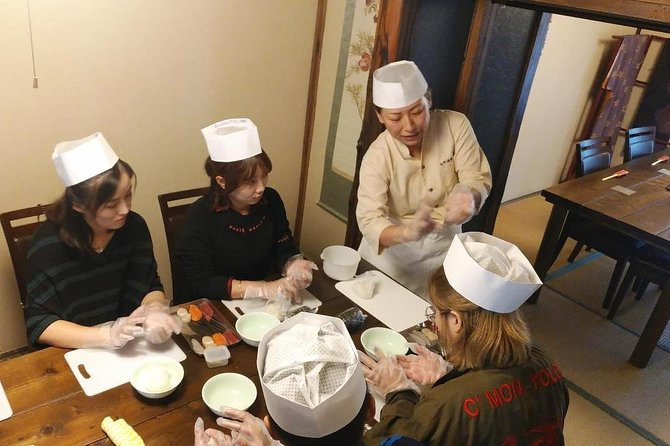 Making Sushi Lunch with Fresh Ingredients from the Seaside Town Hakodate