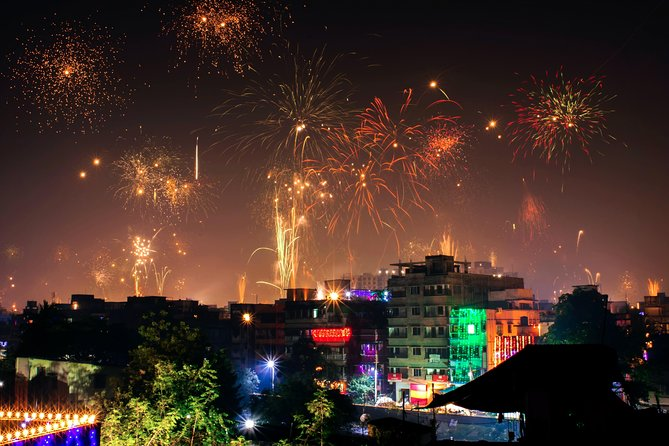 Celebrate Diwali with a Local Indian Family in Delhi NCR 2020