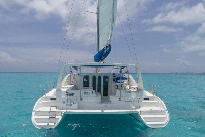 Tour Catamaran Isla Mujeres all included