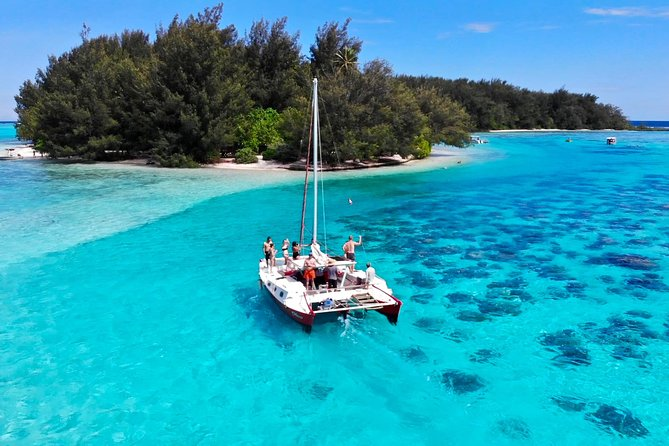PRIVATE Full Day Tour : Moorea Snorkeling & Sailing on a Catamaran named Taboo