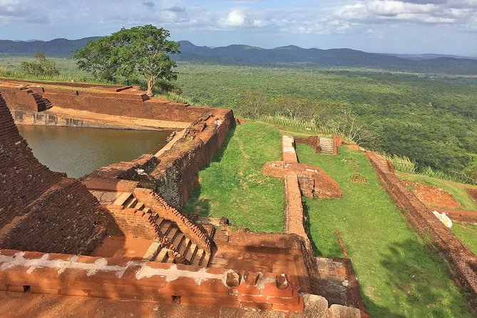 Private Day Tour to Sigiriya, Pidurangala and Dambulla Cave Temple photo 4