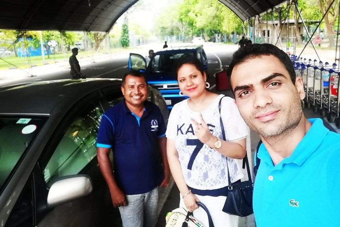 Airport transport pick up and drop off kandy .