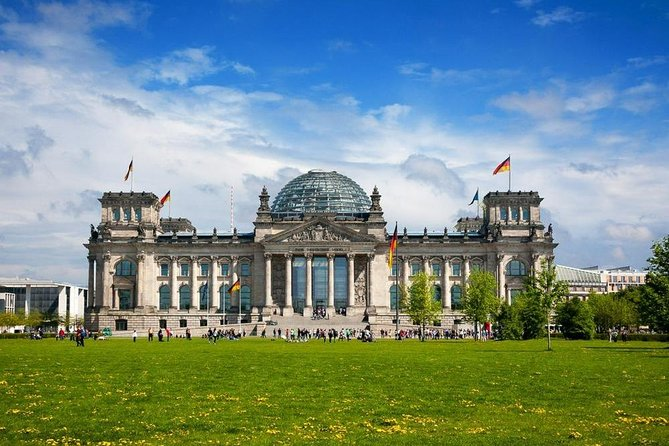 Private Tour: Exploring Berlin Sights by Car with photo stops