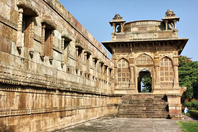 Day Trip to Champaner Archeological Park & Laxmi Vilas Palace in Vadodara