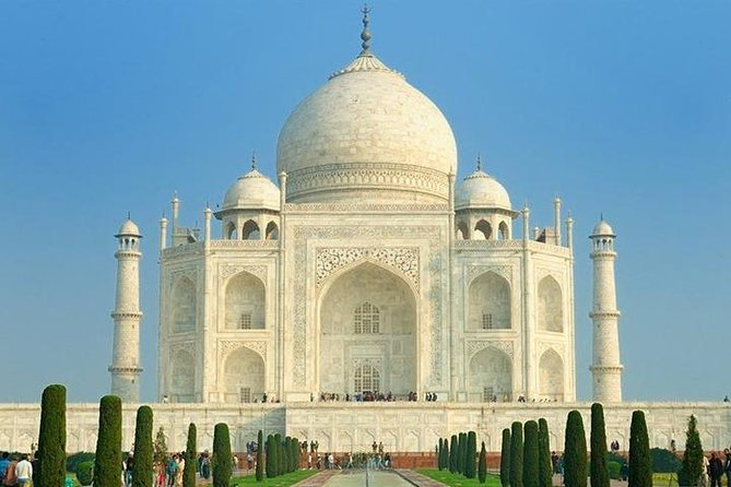 Delhi-Agra-Delhi one day trip with private AC sedan car photo 2