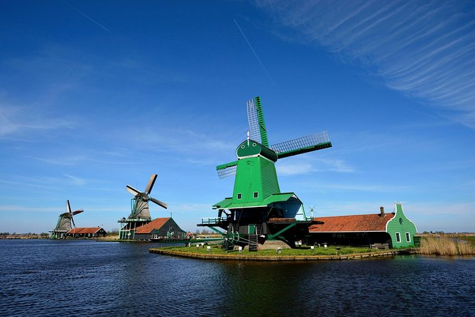 Private Guided Tour to the Windmills, Cheese and Clogs, Edam & Volendam (5hrs)