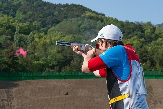 Clay Pigeon Shooting - 25 shots. Shooting live rounds in Cracow.