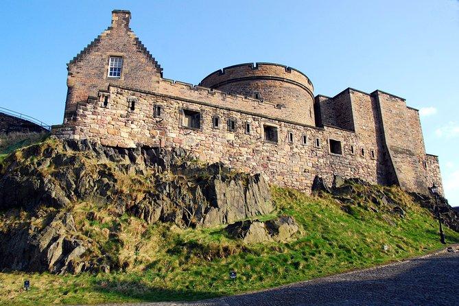 2-Day Edinburgh Tour by Rail with Accommodation, Edinburgh Castle & Bus Tour