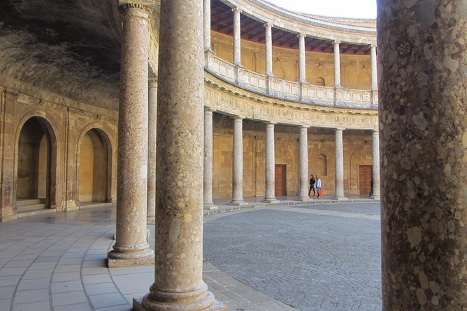 Alhambra and Generalife. Price per group