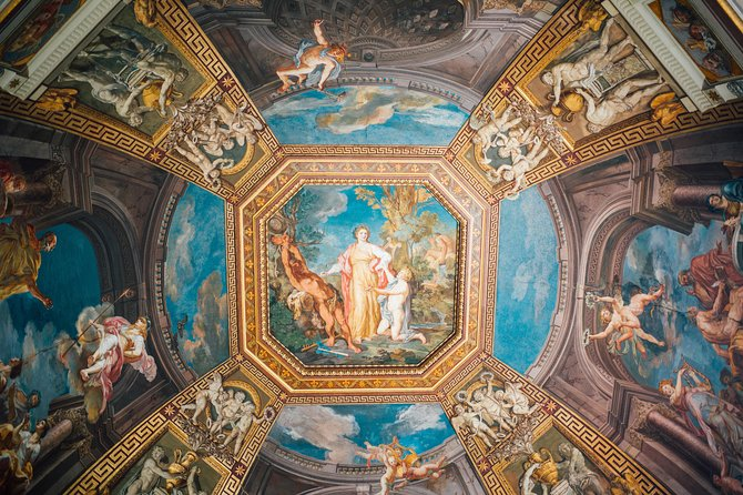 VIP Small Group Tour- Sistine Chapel and St. Peter's Exclusive