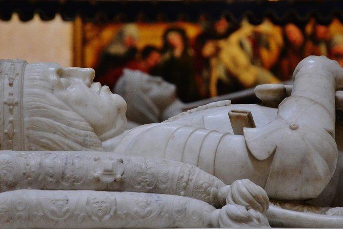En el corazón de Granada: Capilla Real y Catedral con guía experto