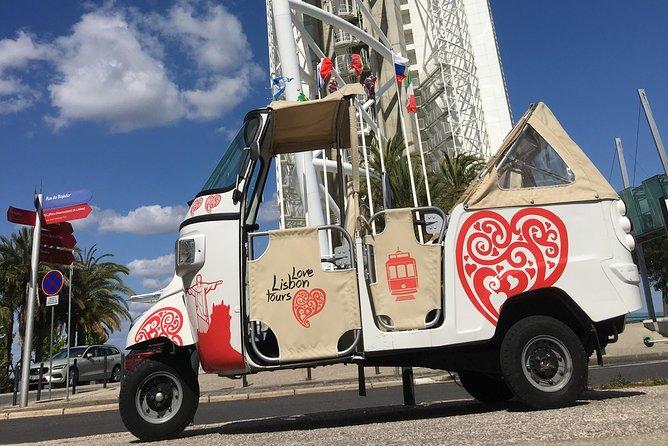 Private Lisbon Tuktuk Tour 1: 30h