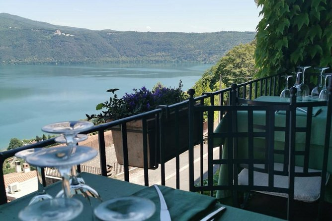 Bracciano Castel & Etruscan Day Tour from Rome