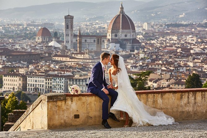 Honeymooners Florence Tour with Professional Photographer and Driver photo 1