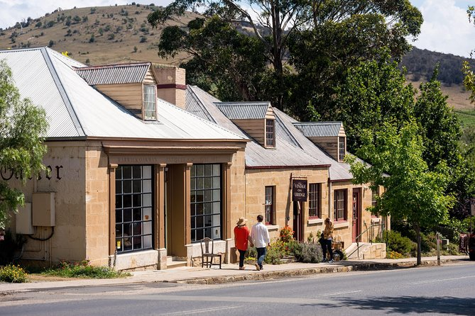 Cruise Ship Special from Hobart: Richmond and Bonorong Wildlife Park Shuttle