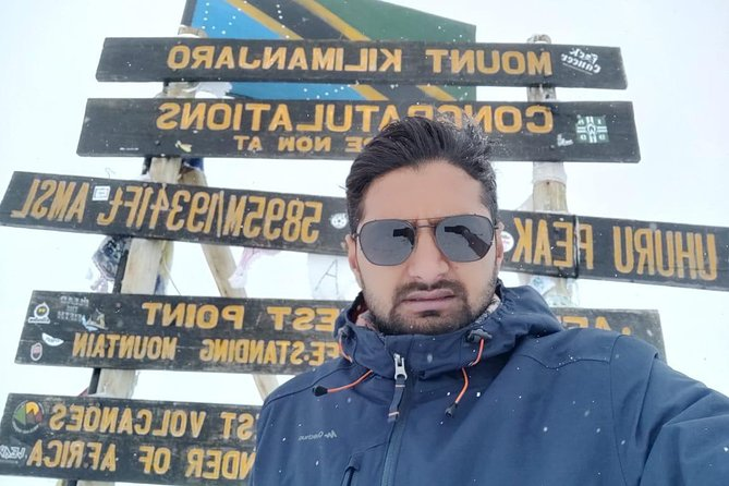 Kilimanjaro Climbing 6 Days Marangu Route photo 1