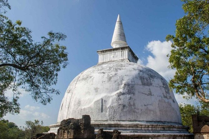 Explore the Ancient City of Polonnaruwa photo 2