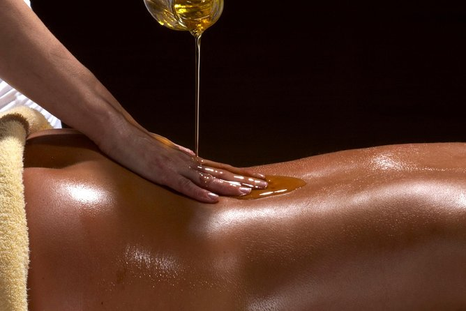 1 Hour Hot Oil Massage
