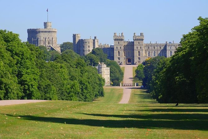 Windsor Castle & Hampton Court Independent Half Day Private Tour
