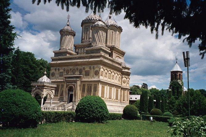 Monastery of Curtea de Argeș (by train from Bucharest)