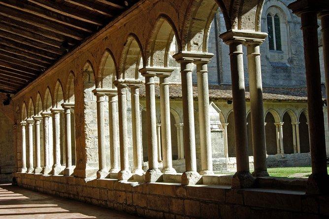 Viagem de um dia em Saint-Emilion saindo de Bordeaux: degustações de vinho e almoço em château