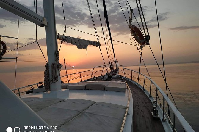 Sunset South Coast Sail Cruise with lunch,drinks, optional transfer