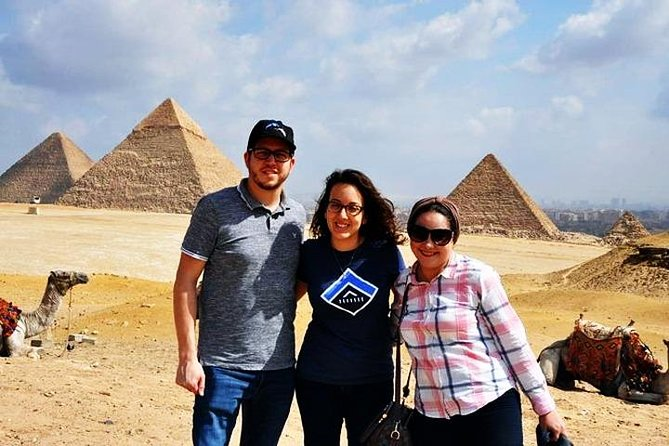 Full-day Giza Pyramids, Egyptian Museum with Pyramids view Lunch