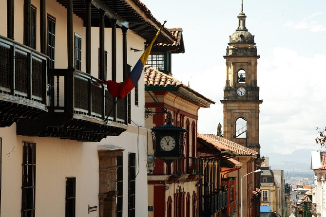 Full Day, historical tour, Monserrate and Gold Museum - Shared