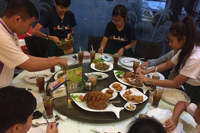 Surabaya History & Culinary Private Tour - Free WiFi & Lunch