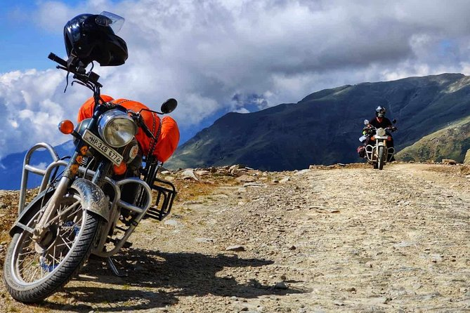 Sach Pass Bike Tour