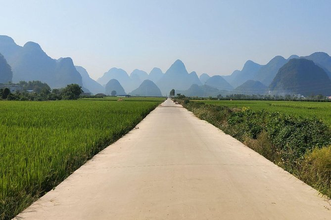 2-Day Self-Guided Yangshuo Tour with the Yulong Bamboo Boat and Xingping Town