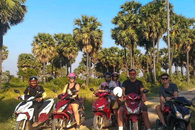 7 Hour- Angkor Wat Temple Tour by Scooter & Withlocal Lunch photo 4