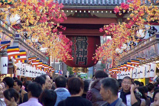 Asakusa walking tour with practical information about Japanese manners photo 7