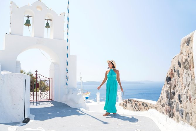 Explore Santorini with a local - 4 Hours Private Tour