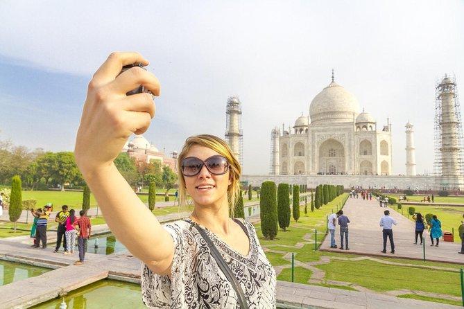 Taj Mahal Day Trip from Delhi Ending in Jaipur