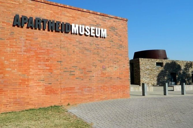 Soweto Lunch & Apartheid Museum Full Day Tour photo 1