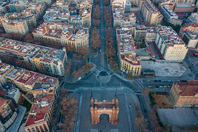 Discover Barcelona in 60 Minutes with a Local
