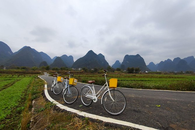 2-Day Yangshuo Tour with the Yulong Bamboo Boat and Xingping Town
