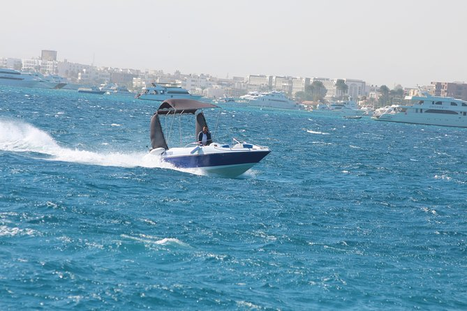 4 hours Private Speed Boat trip To Paradise Island & Water Sport - Hurghada