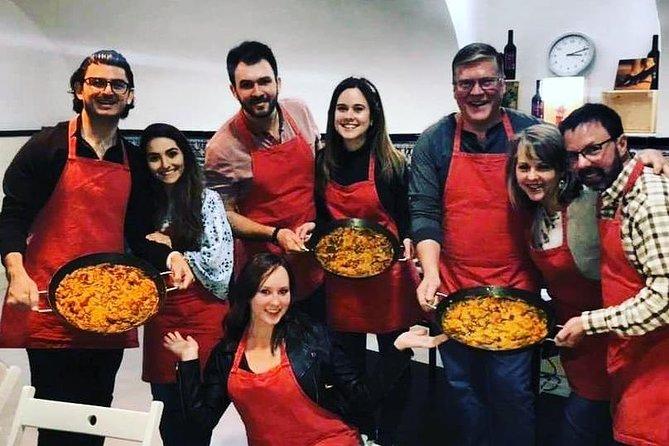 Barcelona : Paella Cooking Experience + Boqueria Market Exclusive Tour