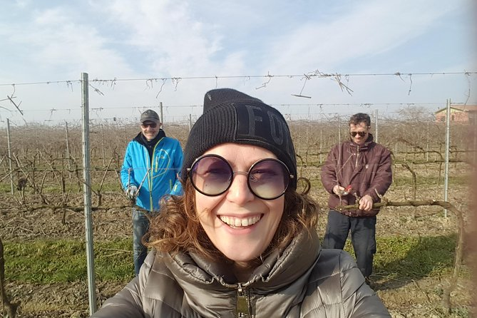 Pruning with the vigneron and tasting wines