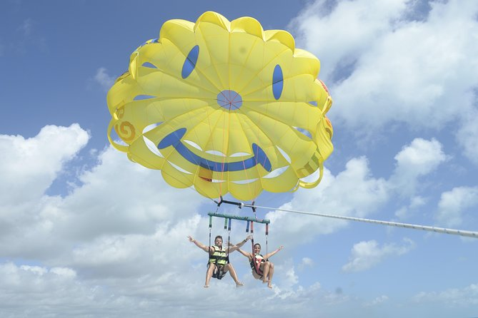 Parasailing Adventure in Cancun with transfer