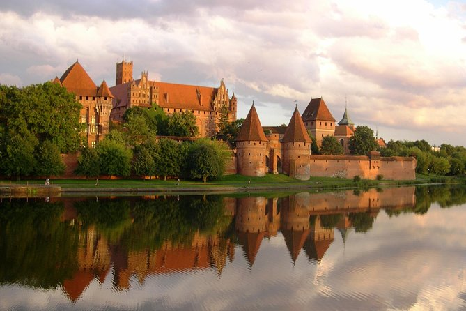 Private Shore Excursion: Walking Tour of Gdansk + Amber Museum + Malbork Castle photo 2