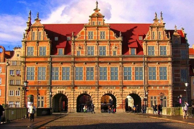 Private Shore Excursion: Walking Tour of Gdansk + Amber Museum + Malbork Castle photo 15