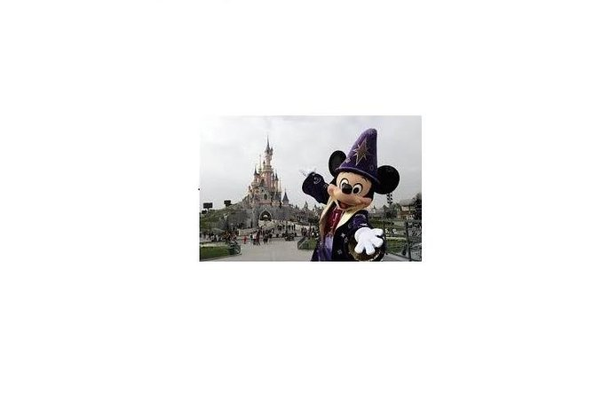 Airport Transfer from Paris Orly ORY Airport to Disneyland Paris photo 7