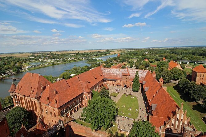 Trip to the Teutonic Castle in Malbork with tickets and guide