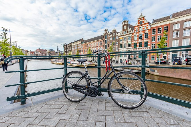Discover Amsterdam in 90 Minutes with a Local