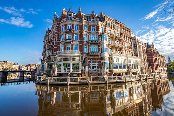 Architectural Walk of Amsterdam with a Local